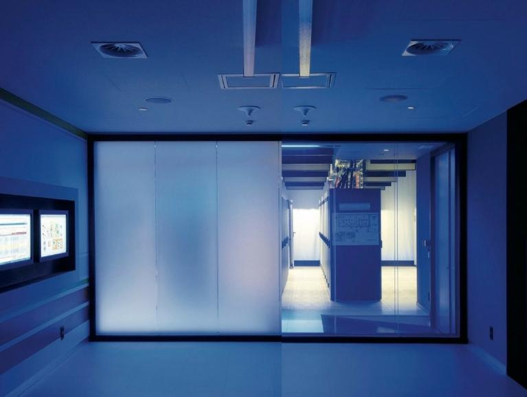 Switchable Privacy Glass | Saint-Gobain