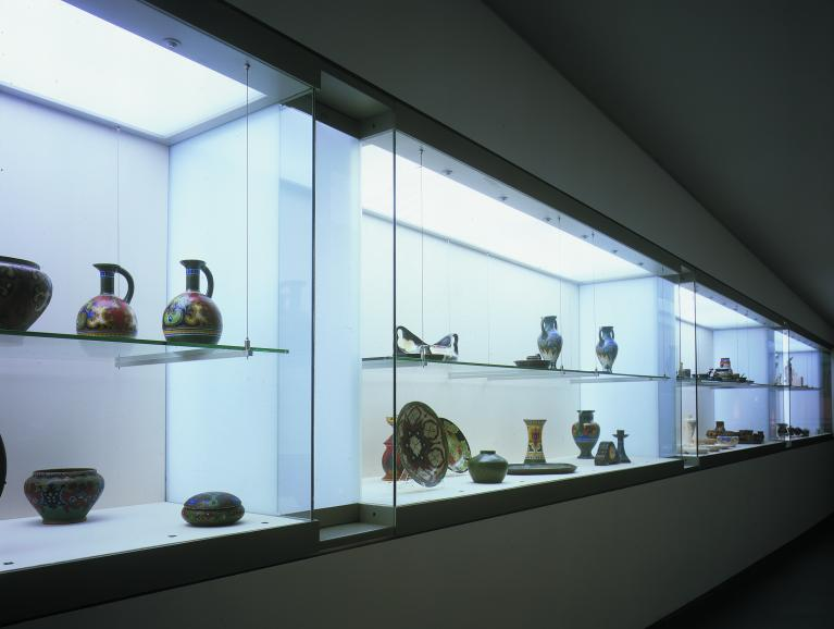 Glass for Display Cabinets and Shopfronts